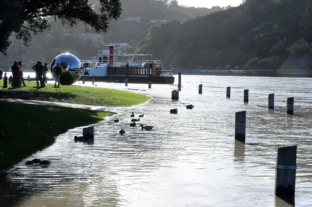 The swollen Whanganui River peaked after rain fell over the Central North Island, Wanganui, New Zealand, Tuesday, July 17, 2012. Credit:SNPA / Ross Setford