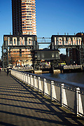 Queens, NY - February 19, 2017: Gantry Plaza State Park on the Long Island City Waterfront along the East River.<br />  <br /> Credit: Clay Williams for 111 Places That You Must Not Miss.<br /> <br /> © Clay Williams / http://claywilliamsphoto.com