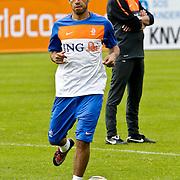 AUS/Seefeld/20100530 - Training NL Elftal WK 2010, Giovanni van Bronckhorst