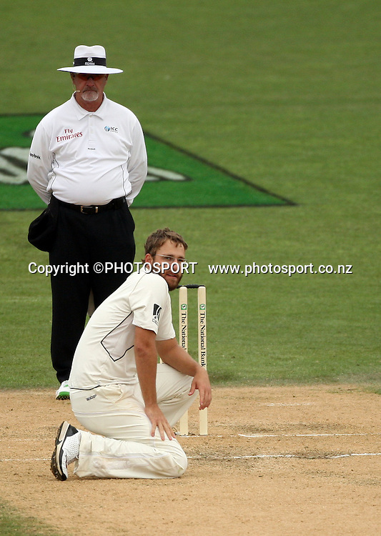 Daniel Vettori contemplates an appeal after umpire Rudi Koertzen turned down an appeal for LBW during play on day 3 of the second cricket test at McLean Park in Napier. National Bank Test Series, New Zealand v West Indies, Sunday 21 December 2008. Photo: Andrew Cornaga/PHOTOSPORT
