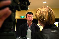 21-02-2001 VOLLEYBAL: PERSCONFERENTIE NEDERLANDS TEAM: DEN BOSCH<br /> Op het hoofdkantoor van de SNS bank vond de persconferentie met de bondscoach en TVN plaats / Bert Goedkoop<br /> &copy;2001-WWW.FOTOHOOGENDOORN.NL