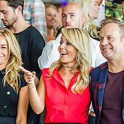 NLD/Amsterdam/20160829 - Seizoenspresentatie RTL 2016 / 2017,  Wendy van Dijk, Chantal Janzen, Carlo Boszhard