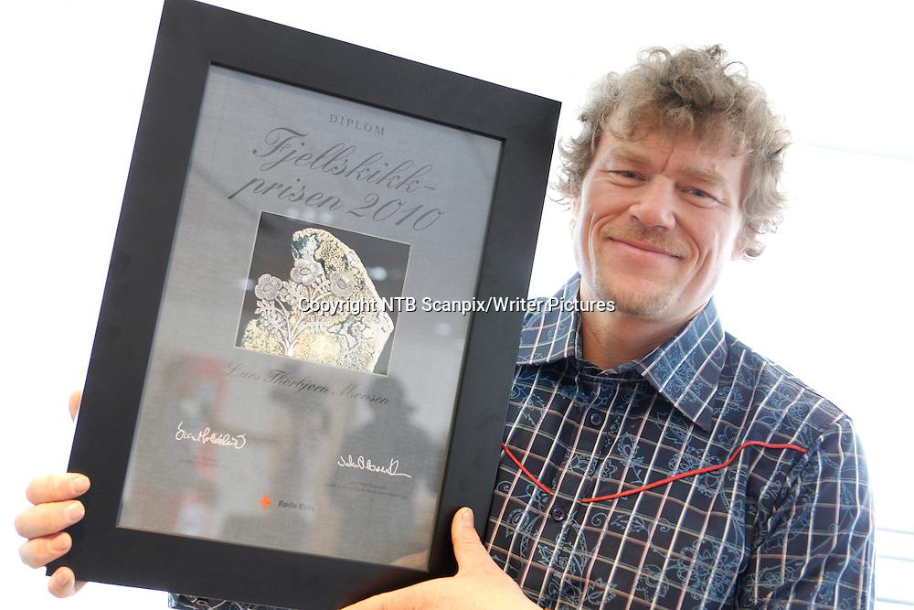 OSLO  20100326. Lars Monsen ble fredag tildelt Fjellskikkprisen under et arrangement i lokalene til Norges R&macr;de Kors.<br /> Foto: Berit Roald / Scanpix .<br /> <br /> NTB Scanpix/Writer Pictures<br /> <br /> WORLD RIGHTS, DIRECT SALES ONLY, NO AGENCY
