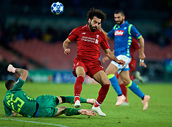 NAPLES, ITALY - Wednesday, October 3, 2018: Liverpool's Mohamed Salah and Napoli's goalkeeper David Ospina during the UEFA Champions League Group C match between S.S.C. Napoli and Liverpool FC at Stadio San Paolo. (Pic by David Rawcliffe/Propaganda)