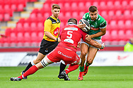 Luca Sperandio of Benetton Treviso is tackled by Steven Cummins of Scarlets<br /> <br /> Photographer Craig Thomas/Replay Images<br /> <br /> Guinness PRO14 Round 3 - Scarlets v Benetton Treviso - Saturday 15th September 2018 - Parc Y Scarlets - Llanelli<br /> <br /> World Copyright &copy; Replay Images . All rights reserved. info@replayimages.co.uk - http://replayimages.co.uk