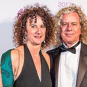 NLD/Hilversum//20170306 - uitreiking Buma Awards 2017, Renger Koning en partner