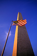Image of the Washington Monument and the American flag in Washington DC, American Northeast