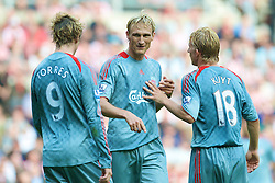 SUNDERLAND, ENGLAND - Saturday, August 16, 2008: Liverpool's Sami Hyypia with Fernando Torres and Dirk Kuyt against Sunderland during the opening Premiership match of the season at the Stadium of Light. (Photo by David Rawcliffe/Propaganda)