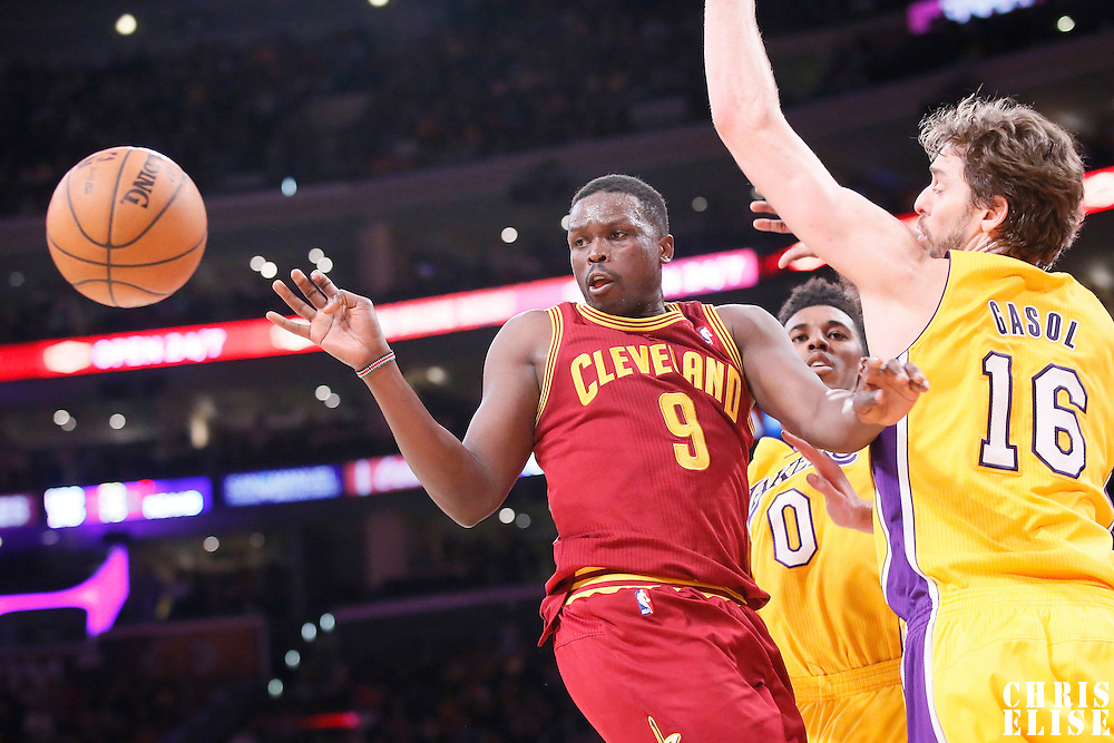 14 January 2014: Cleveland Cavaliers small forward Luol Deng (9) passes the ball during the Cleveland Cavaliers 120-118 victory over the Los Angeles Lakers at the Staples Center, Los Angeles, California, USA.