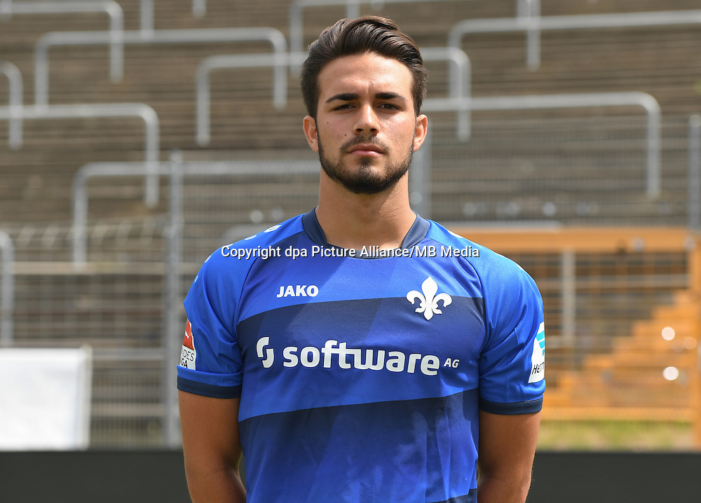 German Bundesliga - Season 2016/17 - Photocall SV Darmstadt 98 on 11 August 2016 in Darmstadt, Germany: Luka Aydogan. Photo: Arne Dedert/dpa | usage worldwide