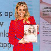 NLD/Amsterdam/20170321 - Chantal Janzen lanceert mediaplatform &C, Chantal Janzen met haar eerste magazine