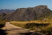 Serro_MG, Brasil...Estrada de terra em Serro, Minas Gerais...Dirt road in Serro, Minas Gerais...Foto: LEO DRUMOND / NITRO