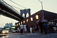 New York. brooklyn. under Brooklyn bridge . the old tobacco factory  New York  Usa /  anciens entrepots de tabac renoves sous le pont de Brooklyn .  New York