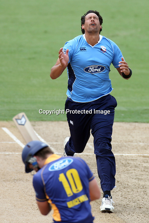 Daryl Tuffey reacts as he narrowly misses Michael Bracewell's wicketsduring the semi final ODI playoff match, Auckland Aces v Otago Volts. Colin Maiden Park, Auckland. Wednesday 9 February 2011. Photo: Ella Brockelsby/photosport.co.nz