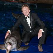 NLD/Harderwijk/20130515 - Premiere Aqua Bella show Dolfinarium Harderwijk, Robert ten Brink en dolfijn