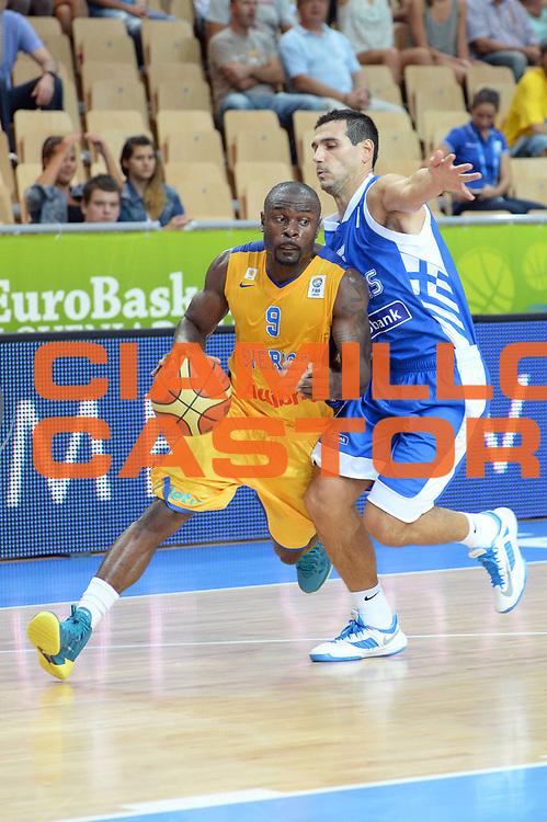DESCRIZIONE : Capodistria Koper Slovenia Eurobasket Men 2013 Preliminary Round Svezia Grecia Sweden Greece<br /> GIOCATORE : Thomas Massamba<br /> CATEGORIA : Palleggio<br /> SQUADRA : Svezia<br /> EVENTO : Eurobasket Men 2013<br /> GARA : Svezia Grecia Sweden Greece<br /> DATA : 04/09/2013 <br /> SPORT : Pallacanestro&nbsp;<br /> AUTORE : Agenzia Ciamillo-Castoria/Max.Ceretti<br /> Galleria : Eurobasket Men 2013 <br /> Fotonotizia : Capodistria Koper Slovenia Eurobasket Men 2013 Preliminary Round Svezia Grecia Sweden Greece<br /> Predefinita :