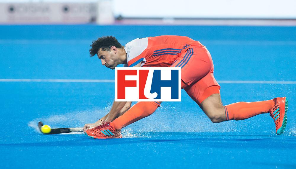 BHUBANESWAR - Glenn Schuurman (Ned)) tijdens de Hockey World League Finals , de kwartfinale wedstrijd Duitsland-Nederland (3-3).Duitsland wint na shoot-outs.    COPYRIGHT KOEN SUYK