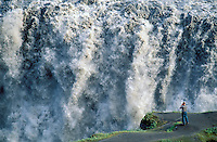 Islande. Chutes de Dettifoss. Plus grande chutes d'eau d'Europe. // Iceland. Dettifoss waterfall. Greatest waterfall of Europe.
