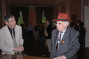 Ron Rubin and George Melly. Book launch of Take A Girl Like Me - Life With George by Diana Melly. The Polish Club. Exhibition Rd. London. 21 July 2005. ONE TIME USE ONLY - DO NOT ARCHIVE  © Copyright Photograph by Dafydd Jones 66 Stockwell Park Rd. London SW9 0DA Tel 020 7733 0108 www.dafjones.com