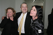 Rachel Whiteread, Norman Rosenthal and Sue Webster , Jeff Koons: Hulk Elvis. private view. Gagosian Gallery. 18 1une 2007.  -DO NOT ARCHIVE-© Copyright Photograph by Dafydd Jones. 248 Clapham Rd. London SW9 0PZ. Tel 0207 820 0771. www.dafjones.com.