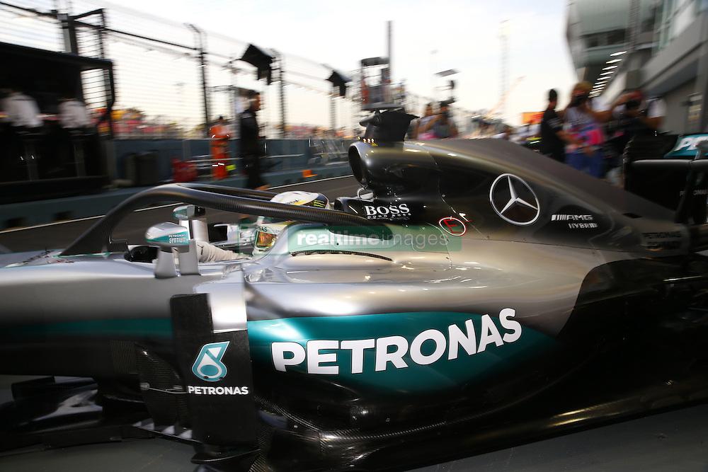 September 16, 2016 - Singapur, Singapur - Motorsports: FIA Formula One World Championship 2016, Grand Prix of Singapore, .#44 Lewis Hamilton (GBR, Mercedes AMG Petronas Formula One Team) (Credit Image: © Hoch Zwei via ZUMA Wire)