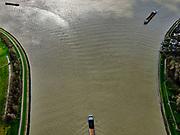 Nederland, Zuid-Holland, Dordrecht, 25-02-2020; samenstroming van de rivieren Oude Maas, de Noord en Beneden Merwede. <br /> Confluence of the rivers Oude Maas, Noord and Beneden Merwede. <br /> luchtfoto (toeslag op standard tarieven);<br /> aerial photo (additional fee required)<br /> copyright © 2020 foto/photo Siebe Swart