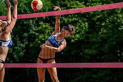 Puk Stubbe in action. From July 1, competition in the Netherlands may be played again for the first time since the start of the corona pandemic. Nevobo and Sportworx, the organizer of the DELA Eredivisie Beach volleyball, are taking this opportunity with both hands. At sunrise, Wednesday exactly at 5.24 a.m., the first whistle will sound for the DELA Eredivisie opening tournament in Zaandam on 1 July 2020 in Zaandam.