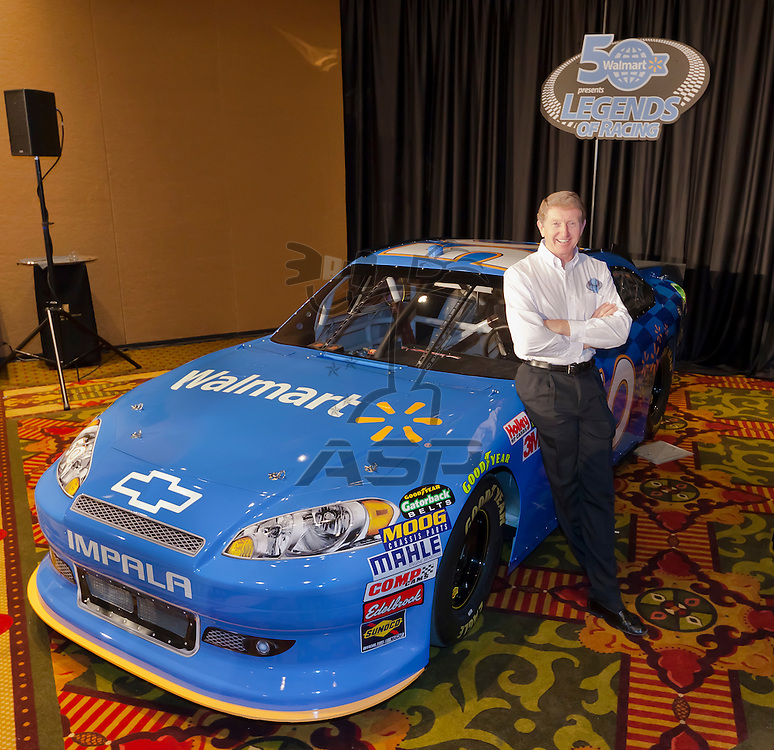 Concord, NC - January 26, 2012:  Walmart today announced it is expanding its Race Time 2012 program to give fan more accessibility to discounted race tickets, driver appearances and fan events at stores, a greater selection of authentic NASCAR merchandise and a special sponsorship of Bill Elliot at the Coke Zero 400.