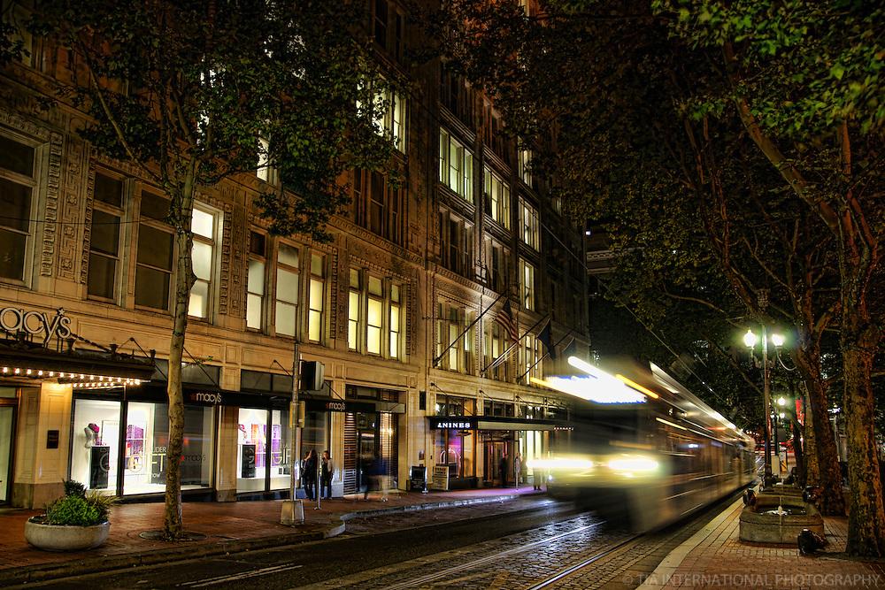 MAX Light Rail Transit, Morrison Street