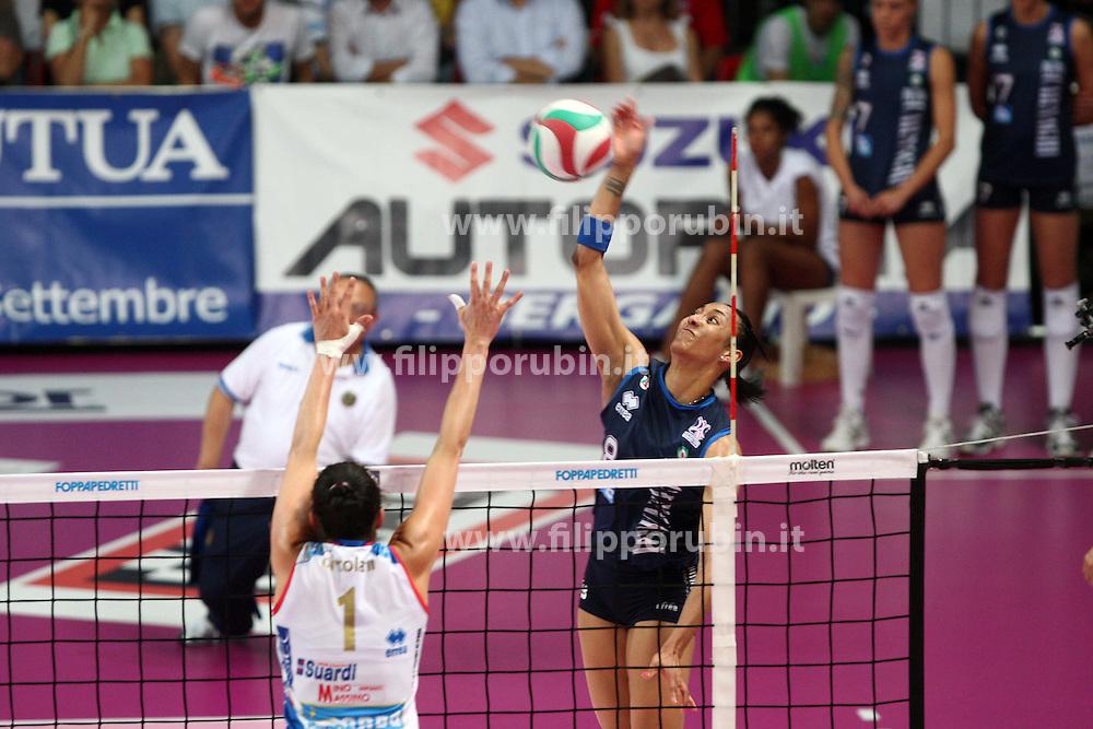 NORDA FOPPAPEDRETTI BERGAMO - MC-CARNAGHI VILLA CORTESE.FINALE SCUDETTO GARA 3.CAMPIONATO ITALIANO VOLLEY SERIE A1-F 2010-2011.BERGAMO 02-06-2011.FOTO FILIPPO RUBIN / LVF.