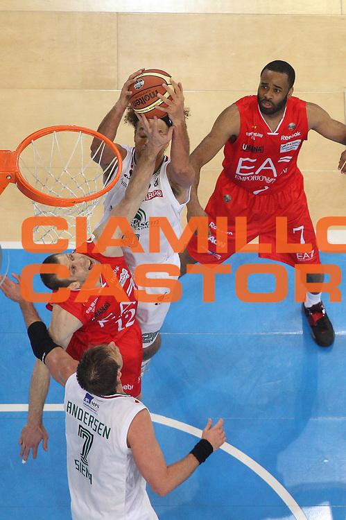 DESCRIZIONE : Torino Coppa Italia Final Eight 2012 Semifinale Montepaschi Siena EA7 Emporio Armani Milano<br /> GIOCATORE : Richard Mason Rocca<br /> CATEGORIA : special stoppata<br /> SQUADRA : EA7 Emporio Armani Milano<br /> EVENTO : Suisse Gas Basket Coppa Italia Final Eight 2012<br /> GARA : Montepaschi Siena EA7 Emporio Armani Milano<br /> DATA : 18/02/2012<br /> SPORT : Pallacanestro<br /> AUTORE : Agenzia Ciamillo-Castoria/M.Marchi<br /> Galleria : Final Eight Coppa Italia 2012<br /> Fotonotizia : Torino Coppa Italia Final Eight 2012 Semifinale Montepaschi Siena EA7 Emporio Armani Milano<br /> Predefinita :