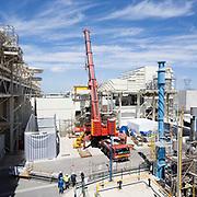 EDF centrale CCG de Martigues / levage du rotor de la turbine.