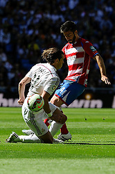 05.04.2015, Estadio Santiago Bernabeu, Madrid, ESP, Primera Division, Real Madrid vs FC Granada, 29. Runde, im Bild Real Madrid&acute;s Gareth Bale and Granada&acute;s Francisco Rico // during the Spanish Primera Division 29th round match between Real Madrid CF and Granada FC at the Estadio Santiago Bernabeu in Madrid, Spain on 2015/04/05. EXPA Pictures &copy; 2015, PhotoCredit: EXPA/ Alterphotos/ Luis Fernandez<br /> <br /> *****ATTENTION - OUT of ESP, SUI*****