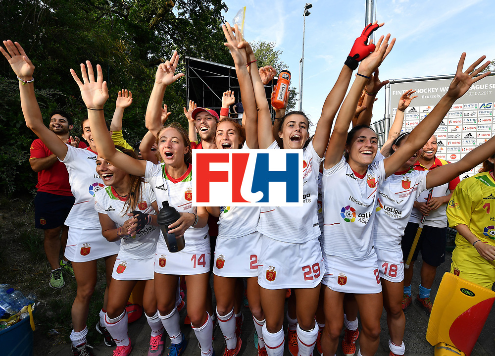 BRUSSELS, BELGIUM - JUNE 22: Team mates of Spain's most capped player Rocio Ybarra react to her presentation to mark her 250th cap following the FINTRO Women's Hockey World League Semi-Final Pool B game between Spain and Malaysia on June 22, 2017 in Brussels, Belgium. (Photo by Charles McQuillan/Getty Images for FIH)