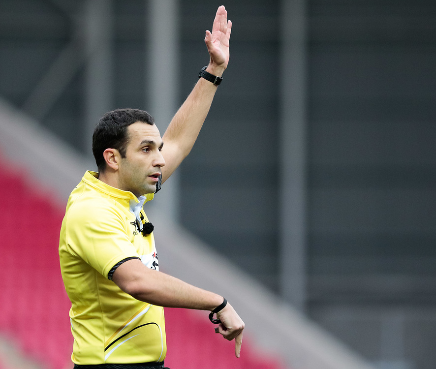 Referee Mathieu Raynal <br /> <br /> Photographer Simon King/Replay Images<br /> <br /> EPCR Champions Cup Round 3 - Scarlets v Benetton Rugby - Saturday 9th December 2017 - Parc y Scarlets - Llanelli<br /> <br /> World Copyright © 2017 Replay Images. All rights reserved. info@replayimages.co.uk - www.replayimages.co.uk