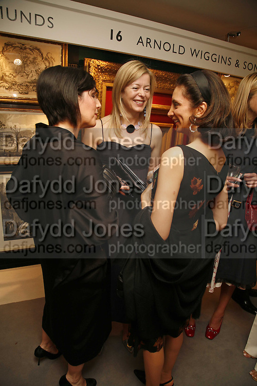Sharleen Spiteri, Lady Helen Taylor and Mrs. Aiden Barclay, Gala champagne reception and dinner in aid of CLIC Sargent.  Grosvenor House Art and Antiques Fair.  Grosvenor House. Park Lane. London. 14 June 2006. ONE TIME USE ONLY - DO NOT ARCHIVE  © Copyright Photograph by Dafydd Jones 66 Stockwell Park Rd. London SW9 0DA Tel 020 7733 0108 www.dafjones.com