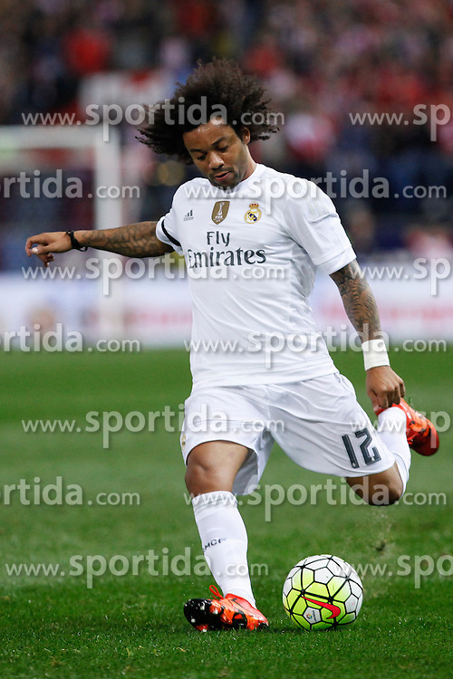 04.10.2015, Estadio Vicente Calderon, Madrid, ESP, Primera Division, Atletico Madrid vs Real Madrid, 7. Runde, im Bild Real Madrid&acute;s Marcelo Vieira // during the Spanish Primera Division 7th round match between Atletico Madrid and Real Madrid at the Estadio Vicente Calderon in Madrid, Spain on 2015/10/04. EXPA Pictures &copy; 2015, PhotoCredit: EXPA/ Alterphotos/ Victor Blanco<br /> <br /> *****ATTENTION - OUT of ESP, SUI*****