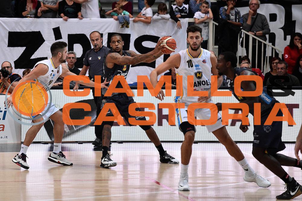 Gomes Joao<br /> Dolomiti Energia Trento - Vanoli Cremona<br /> Lega Basket Serie A 2016/2017<br /> Trento 09/10/2016<br /> Foto Ciamillo-Castoria