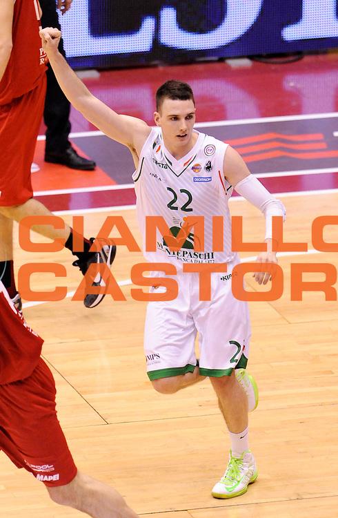 DESCRIZIONE : Milano Coppa Italia Final Eight 2013 Quarti di Finale Montepaschi Siena Trenkwalder Reggio Emilia<br /> GIOCATORE : Matt Janning<br /> CATEGORIA : Esultanza <br /> SQUADRA : Montepaschi Siena <br /> EVENTO : Beko Coppa Italia Final Eight 2013<br /> GARA : Montepaschi Siena Trenkwalder Reggio Emilia<br /> DATA : 08/02/2013<br /> SPORT : Pallacanestro<br /> AUTORE : Agenzia Ciamillo-Castoria/A.Giberti<br /> Galleria : Lega Basket Final Eight Coppa Italia 2013<br /> Fotonotizia : Milano Coppa Italia Final Eight 2013 Quarti di Finale Montepaschi Siena Trenkwalder Reggio Emilia<br /> Predefinita :