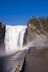 Caminho para arco iris nas Cataratas de Montmorency/ Way to rainbow Montmorency Falls