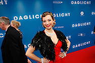 AMSTERDAM - In het Tuschinski Theater is de Nederlandse Triller 'Daglicht' in Premiere gegaan. Met op de foto  een actrice die moest spelen alsof ze een grote bekendheid was. FOTO LEVIN DEN BOER - PERSFOTO.NU