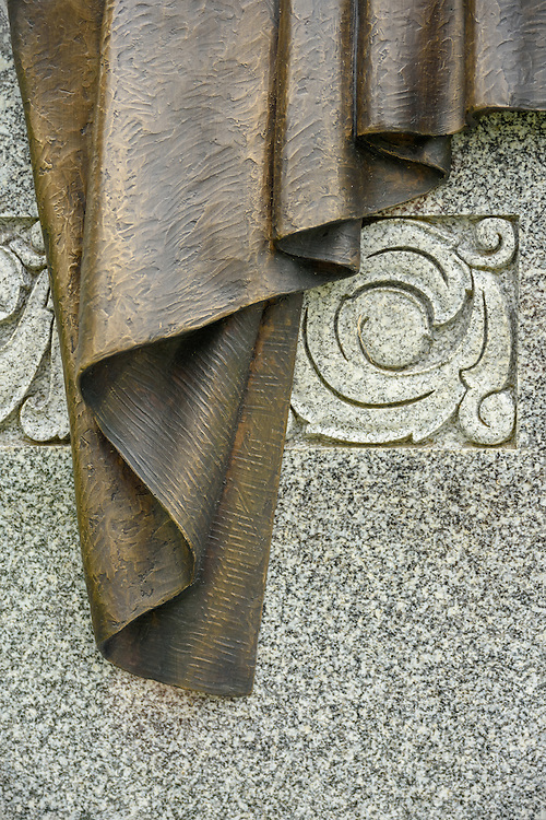 The Victor monument by sculptor Matthew Weir at The Temple Cemetery, Congregation Adath Israel Brith Sholom, Inc., in Louisville, Ky. (Photo by Brian Bohannon)