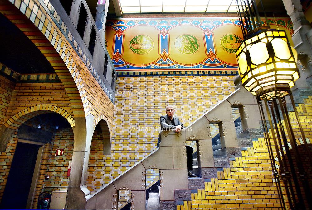 Nederland, Amsterdam , 30 september 2011..Ronald van der Krogt, directeur van De Burcht in het trappenhuis van de gerenoveerde Burcht van Berlage in de Henri Polaklaan nummer 9...Foto:Jean-Pierre Jans