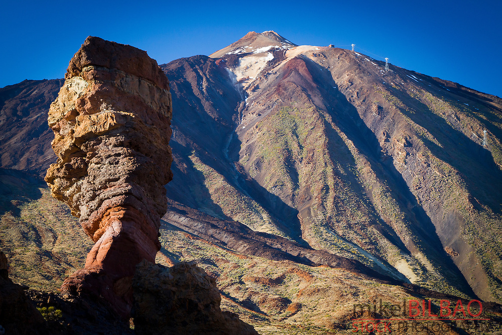 Roque Cinchado and Teide volcano. Teide National Park. La Orotava, Tenerife, Canary Islands, Atlantic Ocean, Spain
