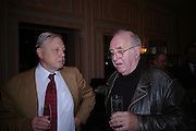 David Attenborough and Clive James. The Oldie Of The Year Awards,  Simpsons in the Strand, London. 22 March 2005. ONE TIME USE ONLY - DO NOT ARCHIVE  © Copyright Photograph by Dafydd Jones 66 Stockwell Park Rd. London SW9 0DA Tel 020 7733 0108 www.dafjones.com