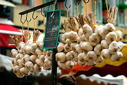 FRANCE PROVENCE AIX EN PROVENCE 3OCT06 - Bunches of garlic on display at a vegetable market in the town centre of Aix en Provence, southern France...jre/Photo by Jiri Rezac..© Jiri Rezac 2006..Contact: +44 (0) 7050 110 417.Mobile:  +44 (0) 7801 337 683.Office:  +44 (0) 20 8968 9635..Email:   jiri@jirirezac.com.Web:    www.jirirezac.com..© All images Jiri Rezac 2006 - All rights reserved.