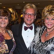 NLD/Noordwijk/20130909 - Inloop modeshow Ronald Kolk najaar 2013, Rita Verdonk en Astrid Engels met partner
