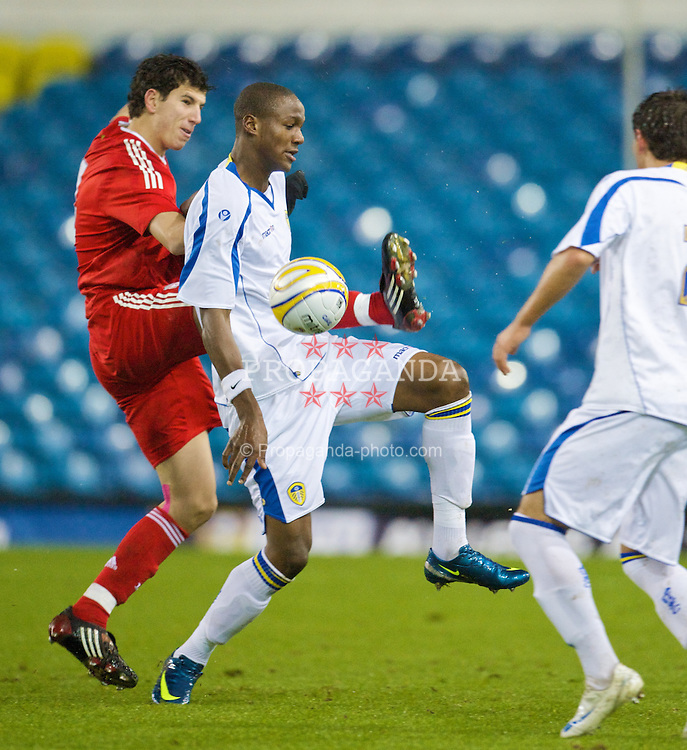 LEEDS, ENGLAND - Tuesday, December 2, 2008: Liverpool's Daniel Sanchez Ayala in action against Leeds United's Tom Elliott during the FA Youth Cup 3rd Round at Elland Road. (Photo by David Rawcliffe/Propaganda)