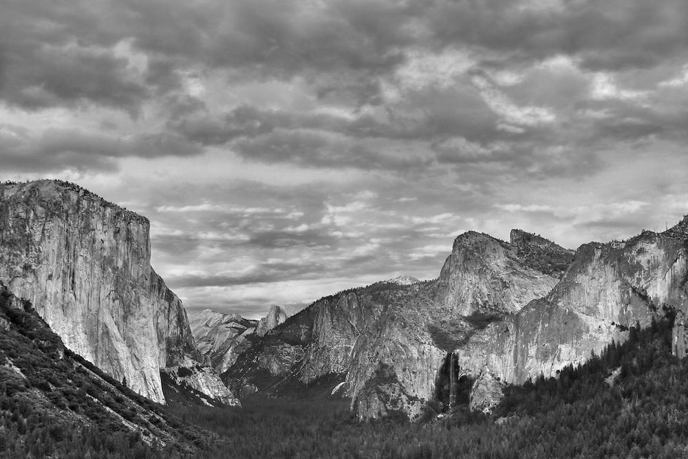 Yosemite Valley Overlook - Dusk - HDR - Black & White