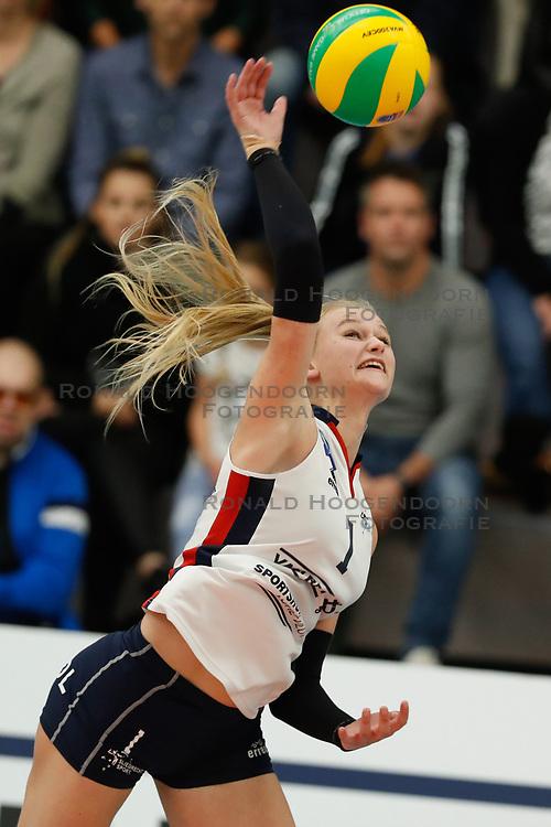 20181024 NED: CL, Sliedrecht Sport - Allianz MTV Stuttgart, Sliedrecht<br />Christie Wolt (1) of Sliedrecht Sport <br />©2018-FotoHoogendoorn.nl / Pim Waslander